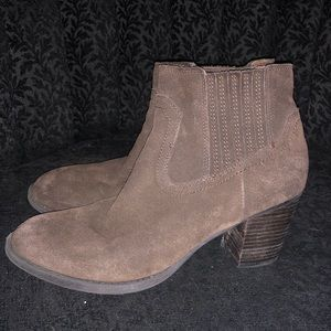 Dolce Vita brown booties 8.5